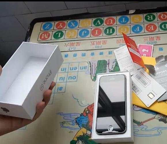 沃尔玛iPhone se 32G 运营商版  开箱  买手党-买手聚集的地方