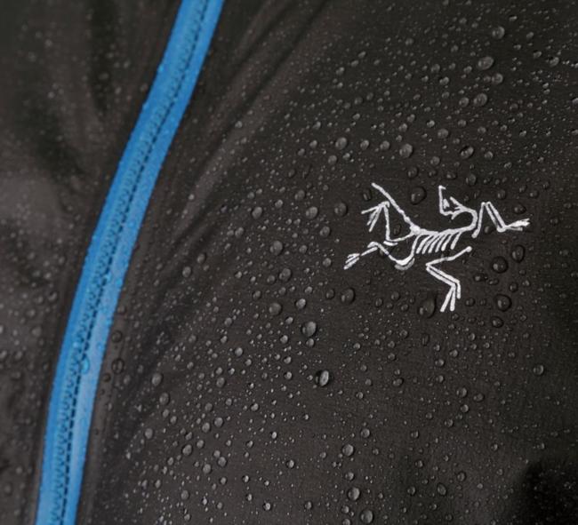 史上最轻的全防水透气冲锋衣!Arcteryx始祖鸟 Norvan SL黑科技冲锋衣 209.3美元约¥1335(天猫3000元) 买手党-买手聚集的地方