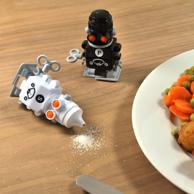 Prime会员:SUCK UK Salt and Pepper 机器人撒盐罐