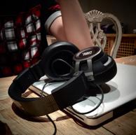 團購否?官翻版JBL S500有源耳罩式耳機