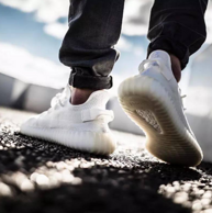 21日10点:adidas 阿迪达斯 Yeezy Boost 350 V2 情侣款 跑鞋CP9366