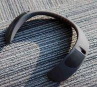 肩部按摩器?BOSE SoundWear Companion 可穿戴扬声器 官翻版