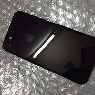 小Q二手手機團:95新 亮黑色 iPhone 7 32g 全網通無鎖版