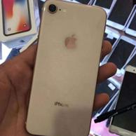 小Q認證二手機、黑五價:98新 原裝無鎖 iPhone 8 256g 三網通手機