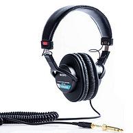 亚马逊销冠!20多年不过时:SONY索尼 封闭式头戴监听耳机MDR-7506