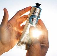 法国进口,保湿不粘腻:150ml 欧舒丹 经典20%乳木果护手霜