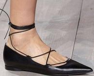 显大长腿神器!Michael Kors 主标系列 女士尖头绑带平底鞋