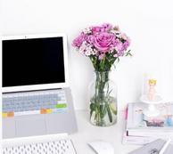 情侣福利!花点时间公众号新用户专享 4束鲜花(一个月送) 99元包邮送花瓶、保鲜剂