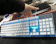 新宫柱轴,新贵 GM150 悬浮轴机械游戏键盘