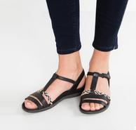 限尺码,prime会员:Clarks其乐 Tealite Grace 女士真皮平底凉鞋 2色 含税直邮到手约231元(天猫599元)