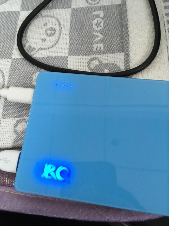 大法电芯!U&Q/尤奎特 律系列特色透明展示+双输入移动电源 220金币晒单+20%变色杯金币加成奖励 买手党-买手聚集的地方