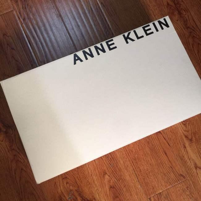 买手党团购:Anne Klein 女士绒面高筒靴 349元包邮 转发返100元(美亚90-129刀) 买手党-买手聚集的地方