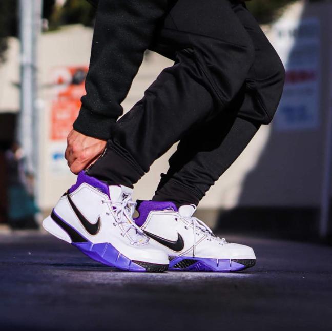 22日9点、新款:Nike 耐克 KobeE 1 Protro 男子篮球鞋 1399元 买手党-买手聚集的地方