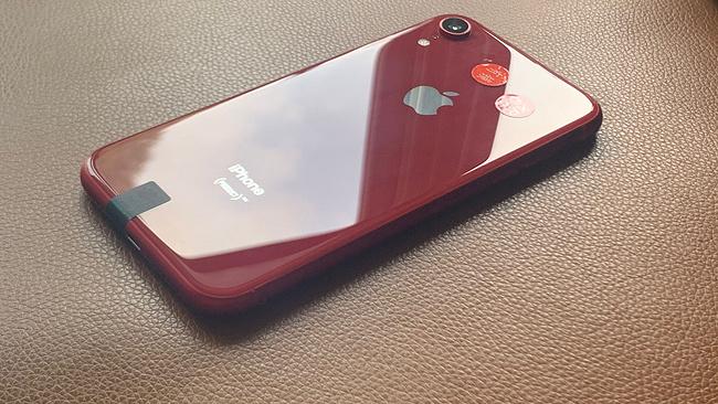 小Q二手团、最便宜全面屏:93-95新原装有锁 iPhone XR 64G三网通手机 2049元包顺丰 买手党-买手聚集的地方