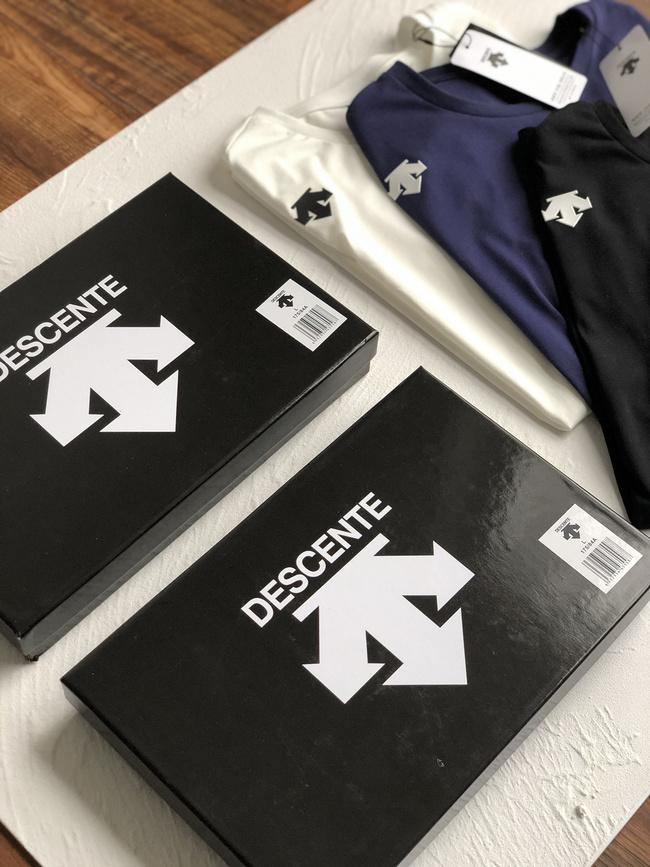 买手甄选:值哭3件套!DESCENT迪桑特 男士T恤礼盒装 239元包邮(吊牌价990元) 买手党-买手聚集的地方